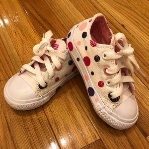 Converse Size 7 toddler